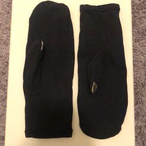 Black Lululemon - touch tip - mittens